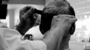sonhar com cabelo cortado