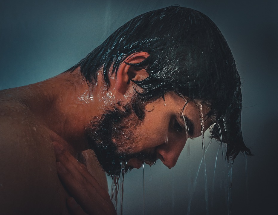 sonhar que está tomando banho