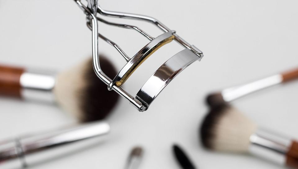 sonhar com maquiagem