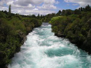 sonhar com rio cheio