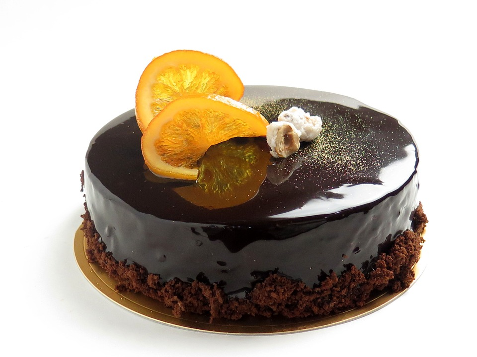 Sonhar com bolo de chocolate