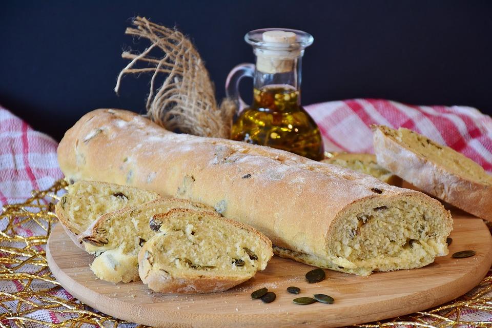 Sonhar com pão caseiro