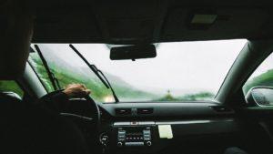 Sonhar com viagem de carro