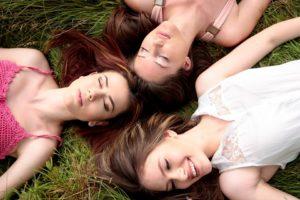 sonhar com amigas
