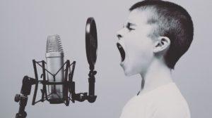 Sonhar que está cantando
