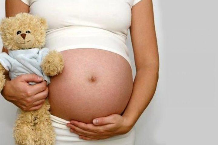 Sonhar com filha grávida