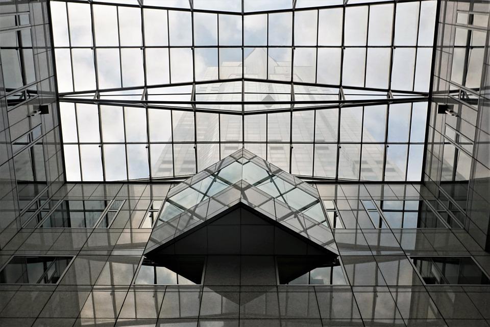 Sonhar com casa de vidro