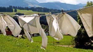 Sonhar com roupas no varal
