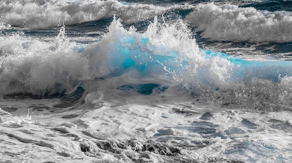sonhar com muita água do mar